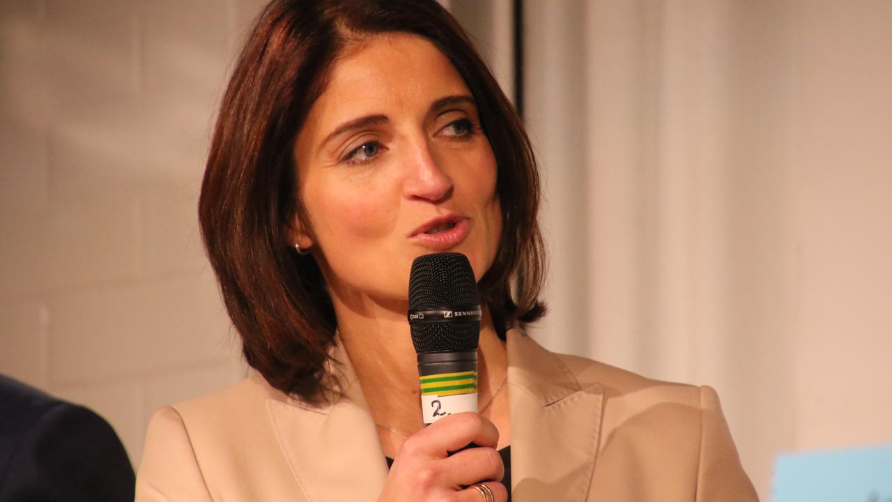 Podiumsdiskussion – Pauline Miller zeigt: Sie kann BürgermeisterIn